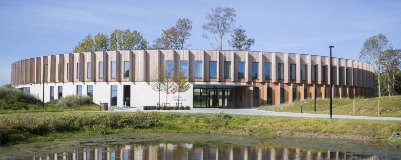 tribe-loading Praatcafé op domein Polderwind, te West-Vlaanderen